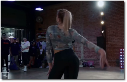 Kayla Brenda dancer performing choreography to God is a Woman final arm sweep (23 Oct 2019)